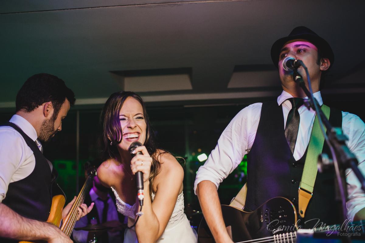 noiva cantando em casamento BH