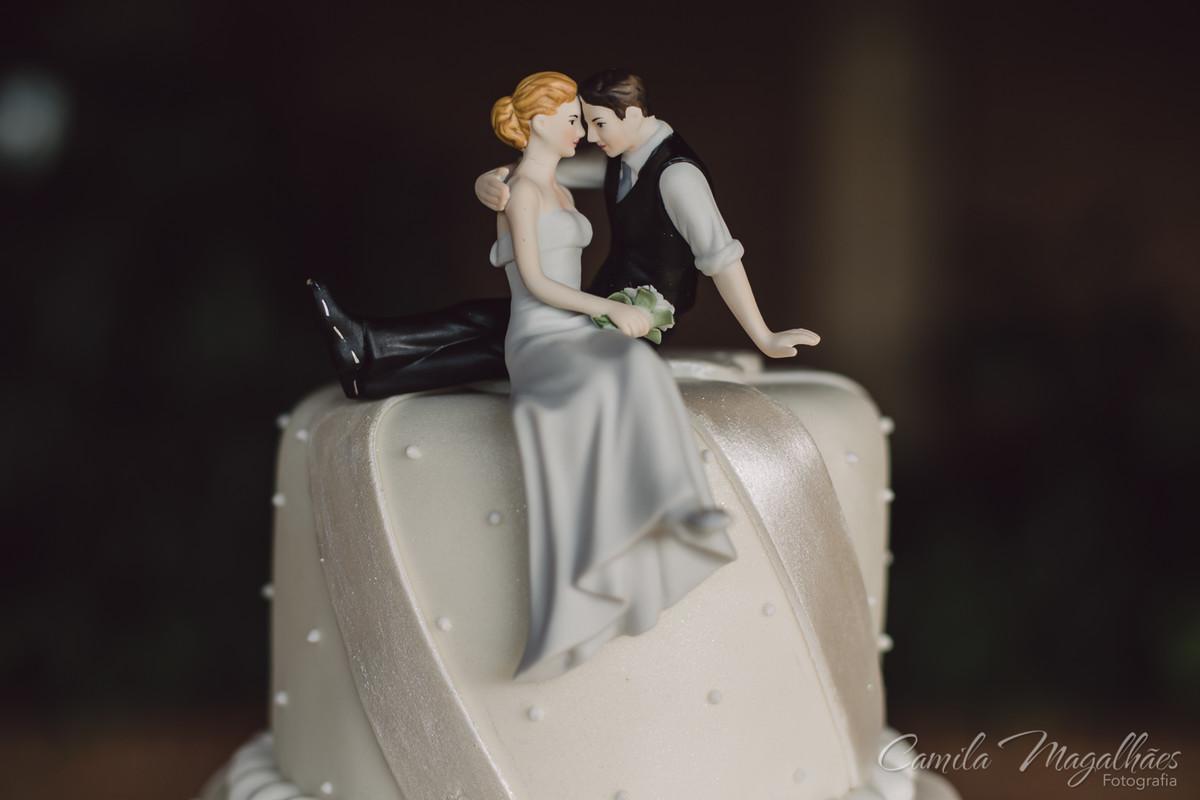 topo de bolo delicado e romântico