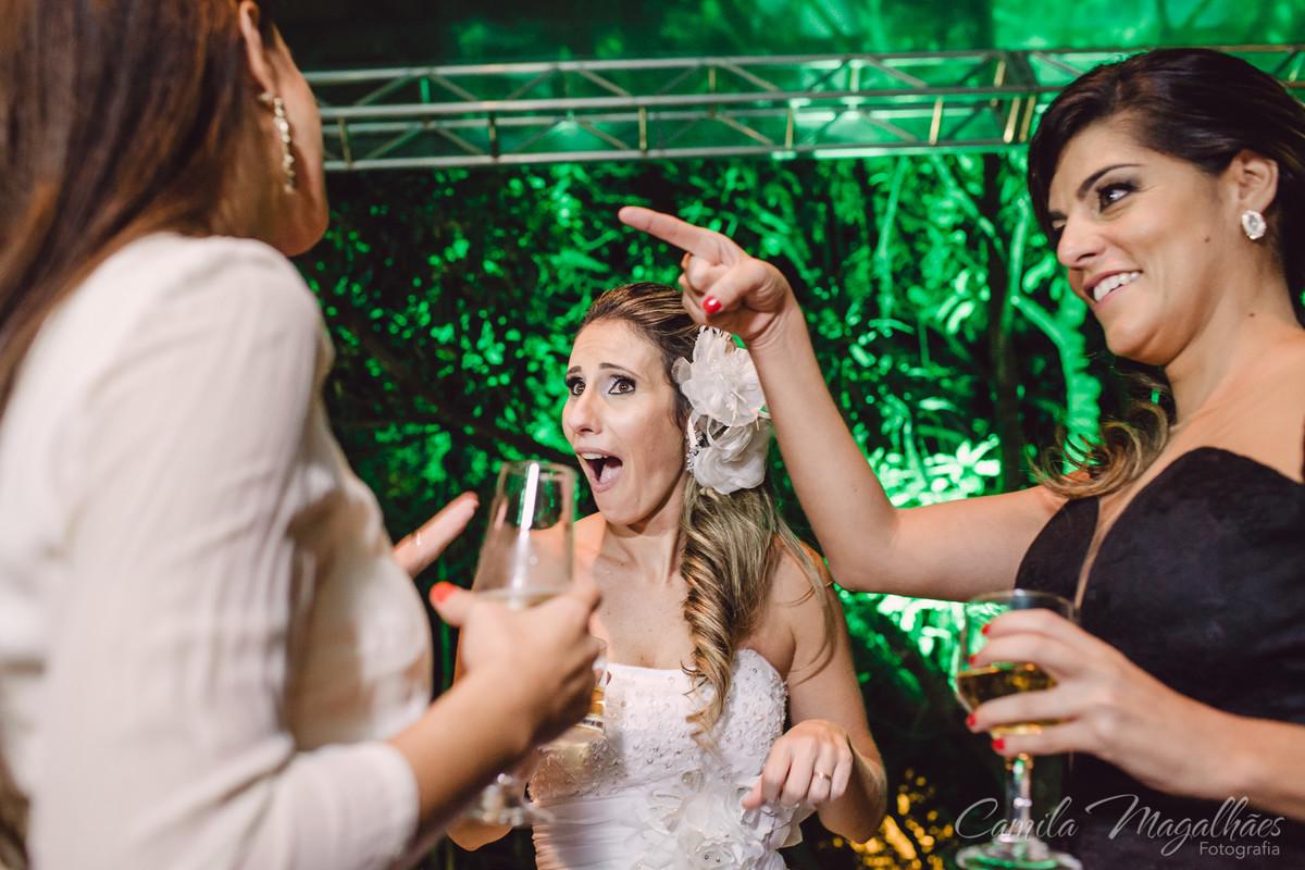 noiva aproveita a festa