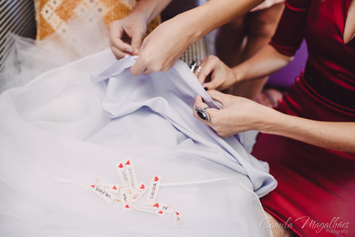 nome na barra do vestido criativo