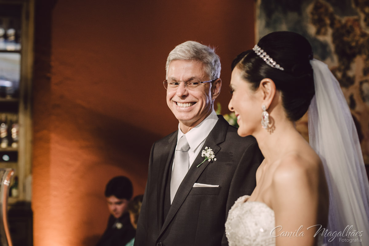 noivo feliz fotografia de casamento
