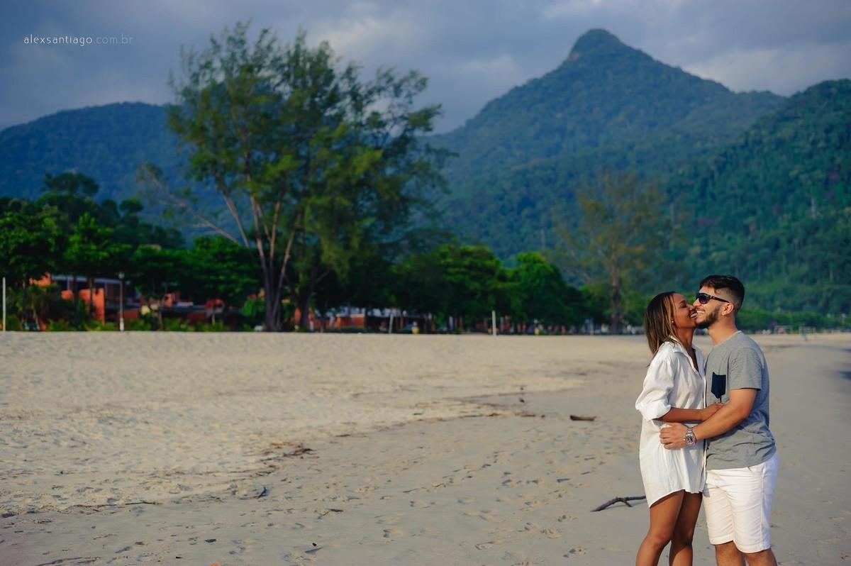 ensaio na praia, ensaio de noivos rj, onde casar em paraty, lugar para casar em paraty, casamento de dia