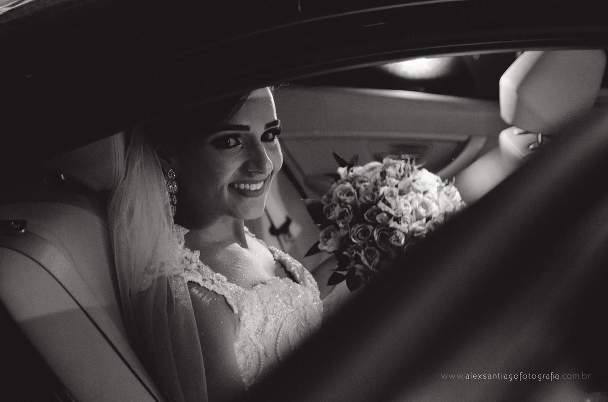 carro para noiva, casamento carro antigo, casamento limousine, entrada da noiva, carro aluguel noiva paraty,  casamento igreja matriz paraty, casamento igreja matriz angra dos reis