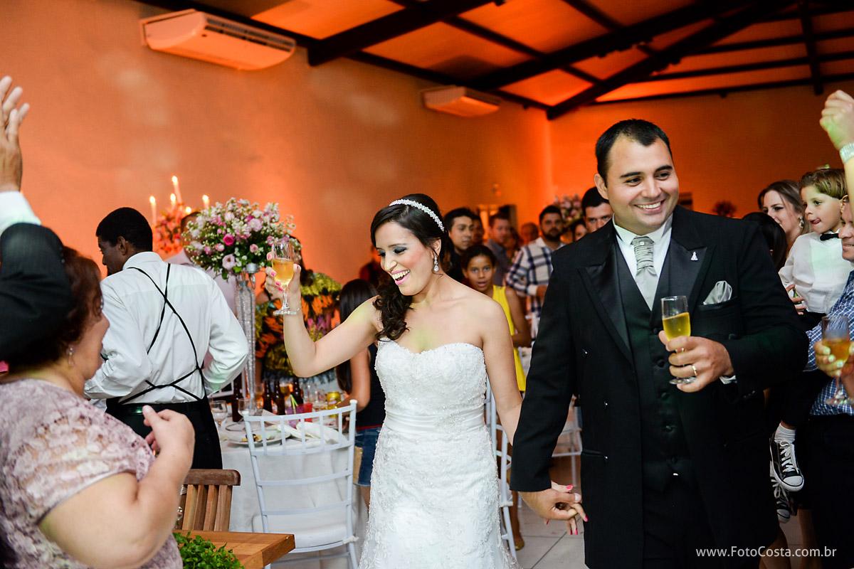 fotocosta, foto costa, fotografiariopreto, fotografia rio preto, fotocasamento, foto casamento, foto de noiva, ensaiocasal, ensaio de casal, ensaio casamento, trash the dress, aliança casamento, aliança ouro, noiva, docinhos para casamento,