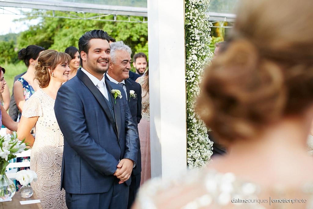 Cerimônia de Casamento, Estância Biguaçu, Casamento ao ar livre, noivo no altar; Fotografia de casamento em Florianópolis