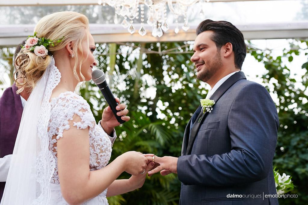 Cerimônia de Casamento, Estância Biguaçu, Casamento ao ar livre, entrega das alianças; Fotografia de casamento em Florianópolis