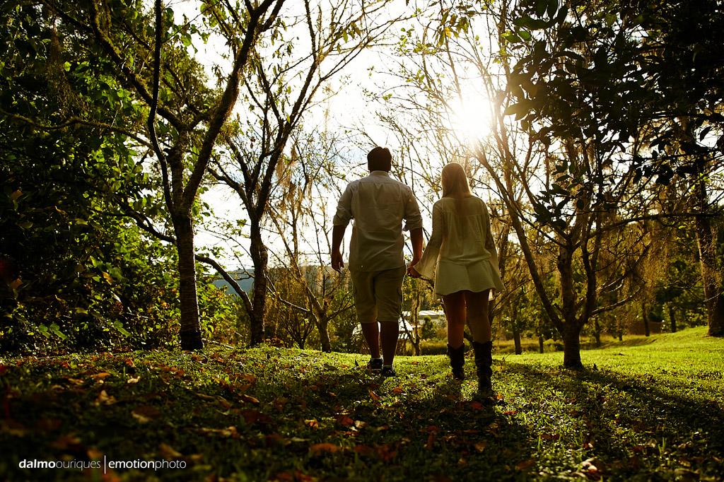 Pré Wedding em Rancho Queimado; Ensaio de casal em Rancho Queimado; ensaio no meio de árvores