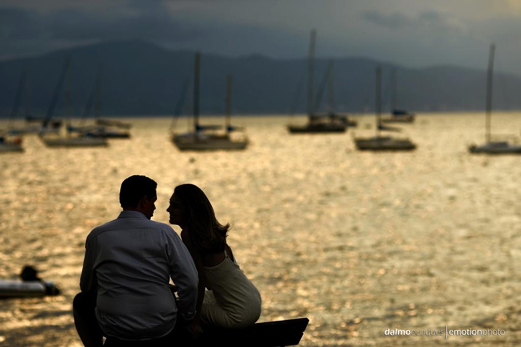 Santo Antônio em Lisboa; ensaio de casal em Floripa, fotografia de casal, ensaio na praia