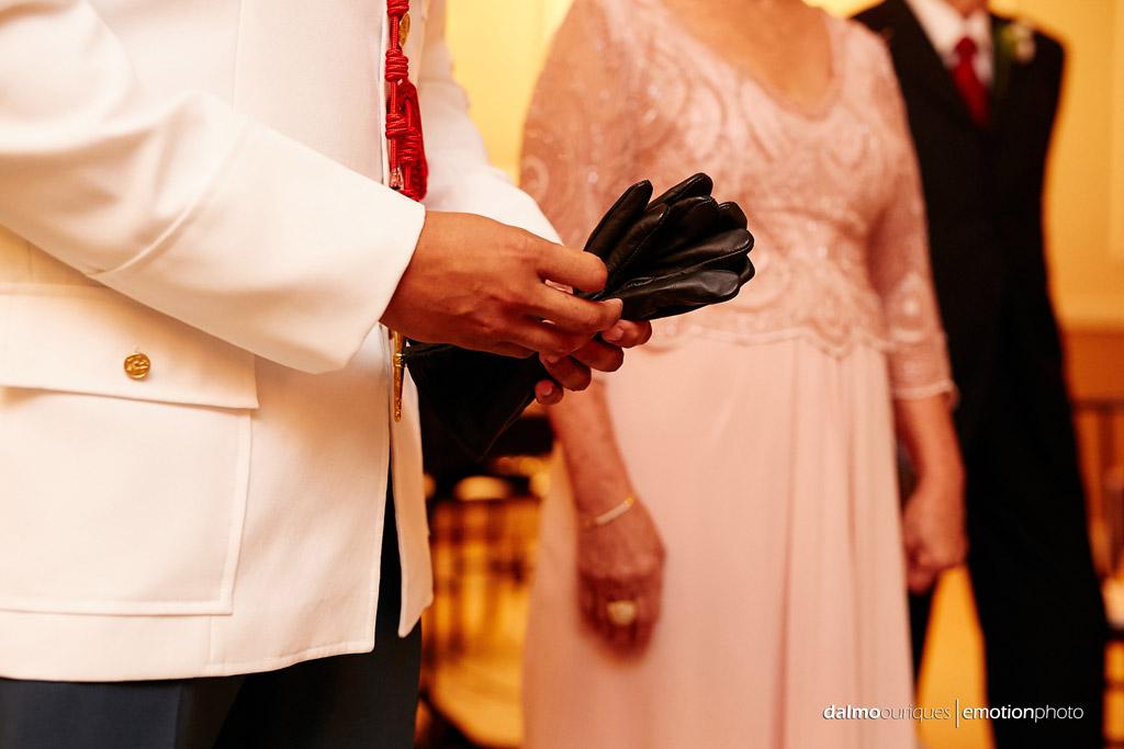 Fotografia de Casamento em Florianópolis;   Alameda Casa Rosa; Cerimônia de Casamento; noivo no altar