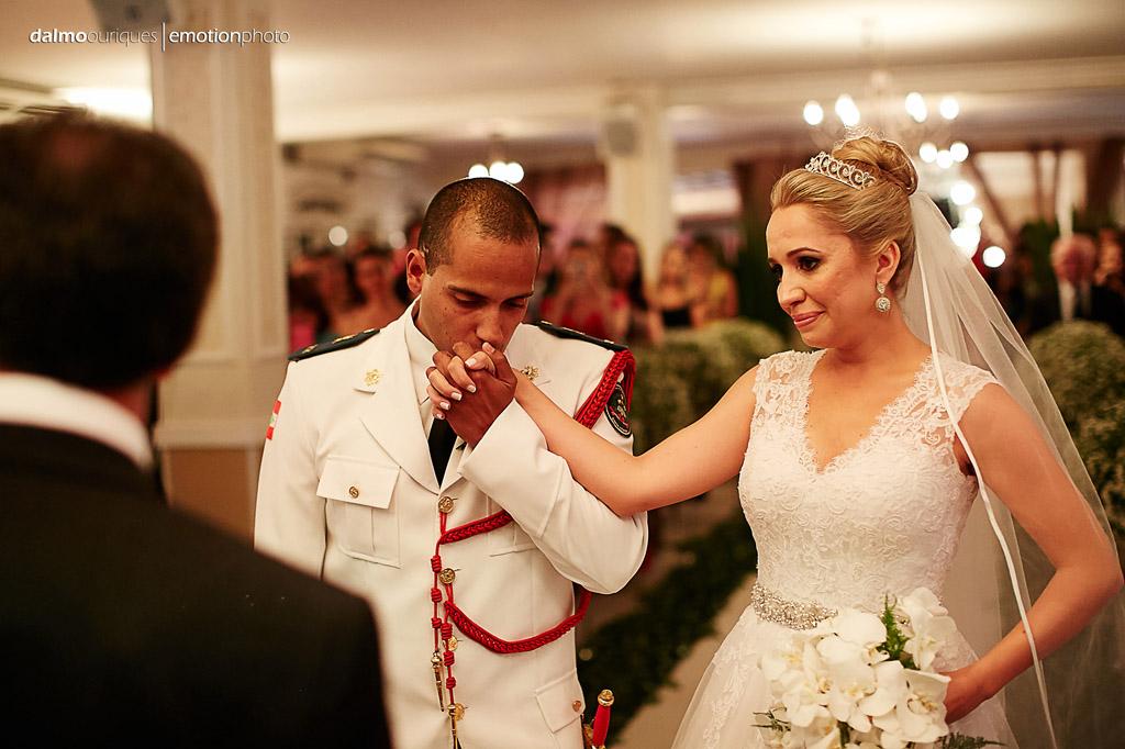 Fotógrafo de Casamento em Florianópolis;   Alameda Casa Rosa; Cerimônia de Casamento; casando de farda