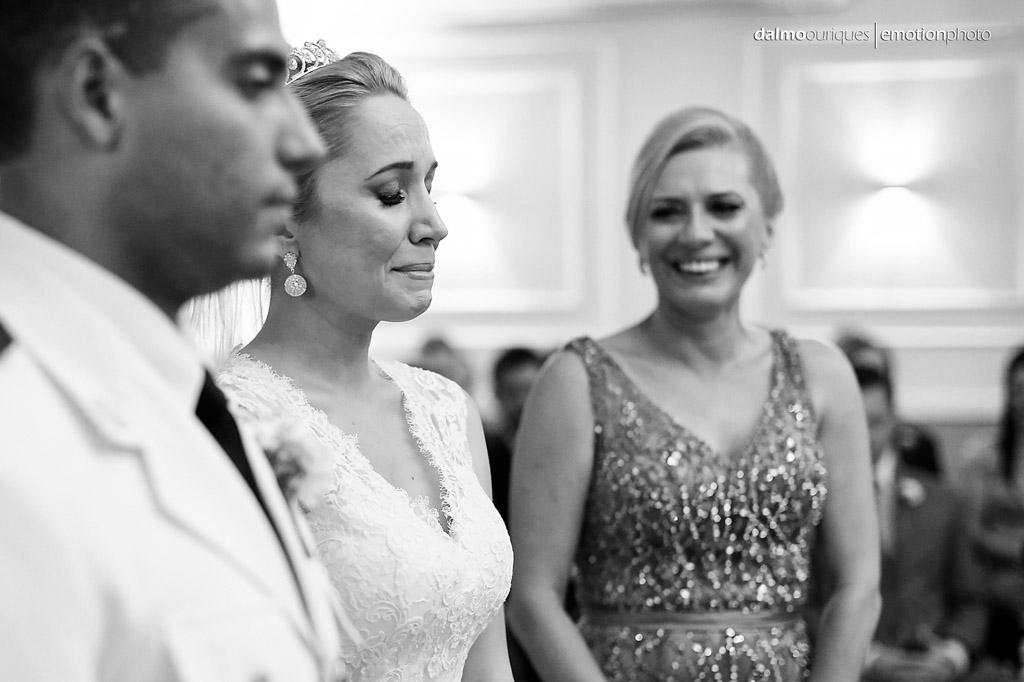 Fotografia de Casamento em Florianópolis; Alameda Casa Rosa; emoção no casamento