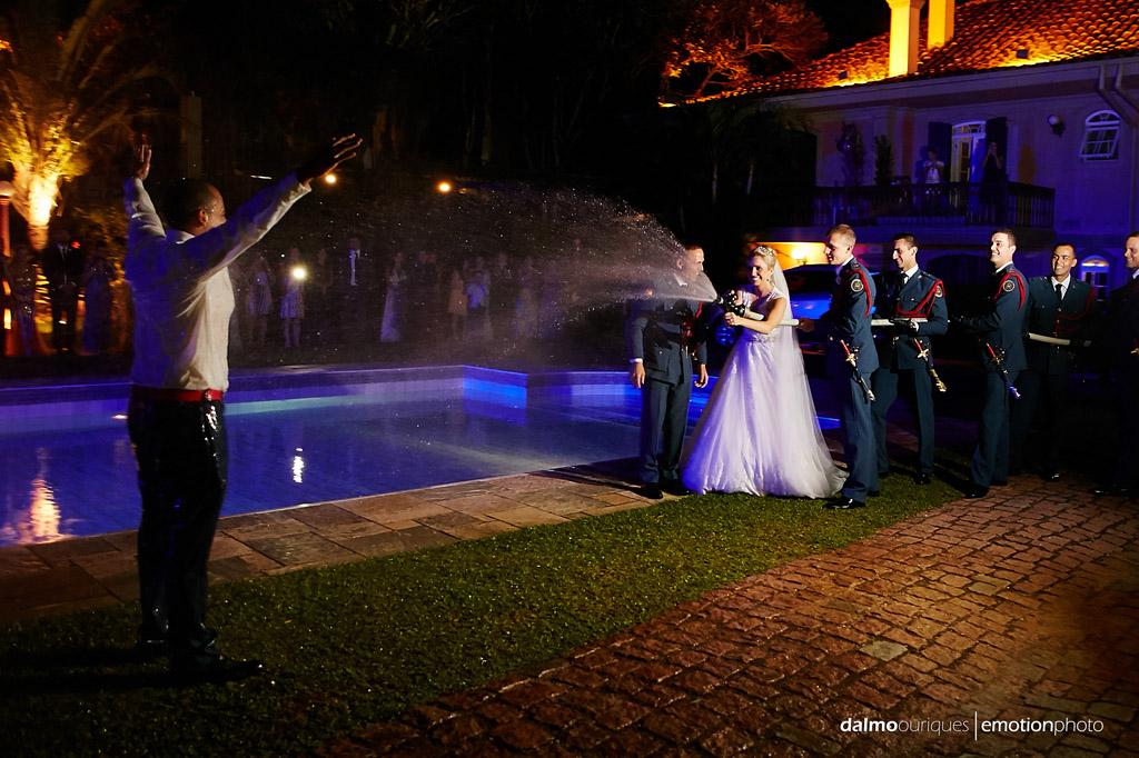 Fotógrafo de Casamento em Florianópolis;  Alameda Casa Rosa; sessão de fotos; ensaio de casal; banho de mangueira