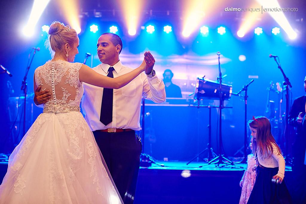 Fotografia de Casamento em Florianópolis; Festa de casamento; Alameda Casa Rosa; dança dos noivos