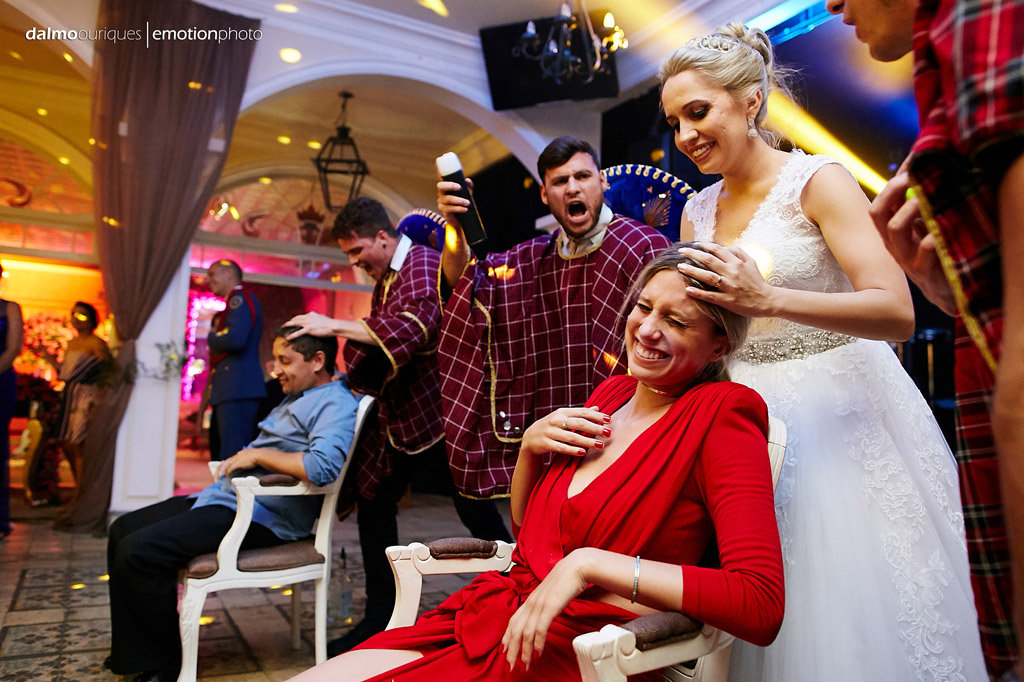 Fotógrafo de Casamento em Florianópolis; Festa de casamento; Alameda Casa Rosa, noiva tequileira