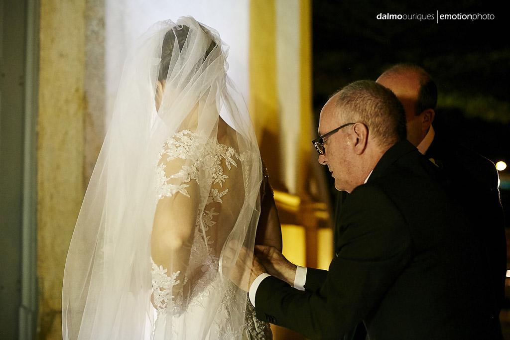 Casamento em Florianópolis, fotografia de Casamento em Florianópolis; Santo Antônio; igreja do casamento; entrada da noiva; últimos preparativos; leal ventura; cerimonial arrumando a noiva