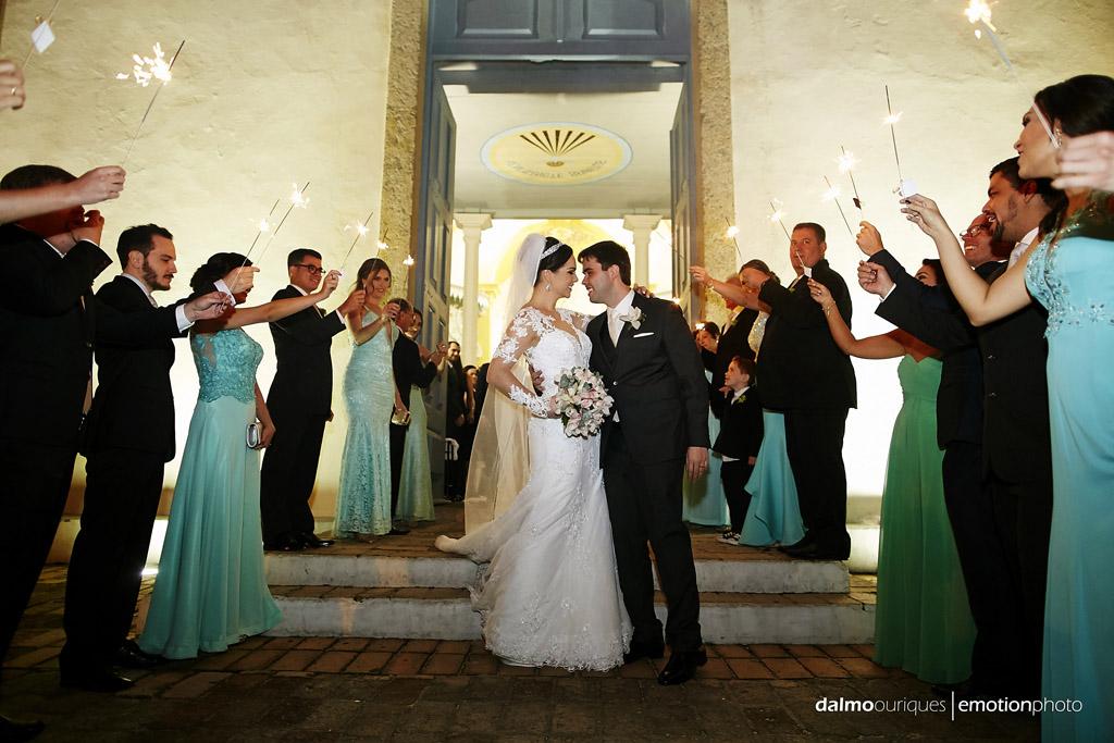 casamento na igreja; saída da igreja fotógrafo de casamento Florianópolis