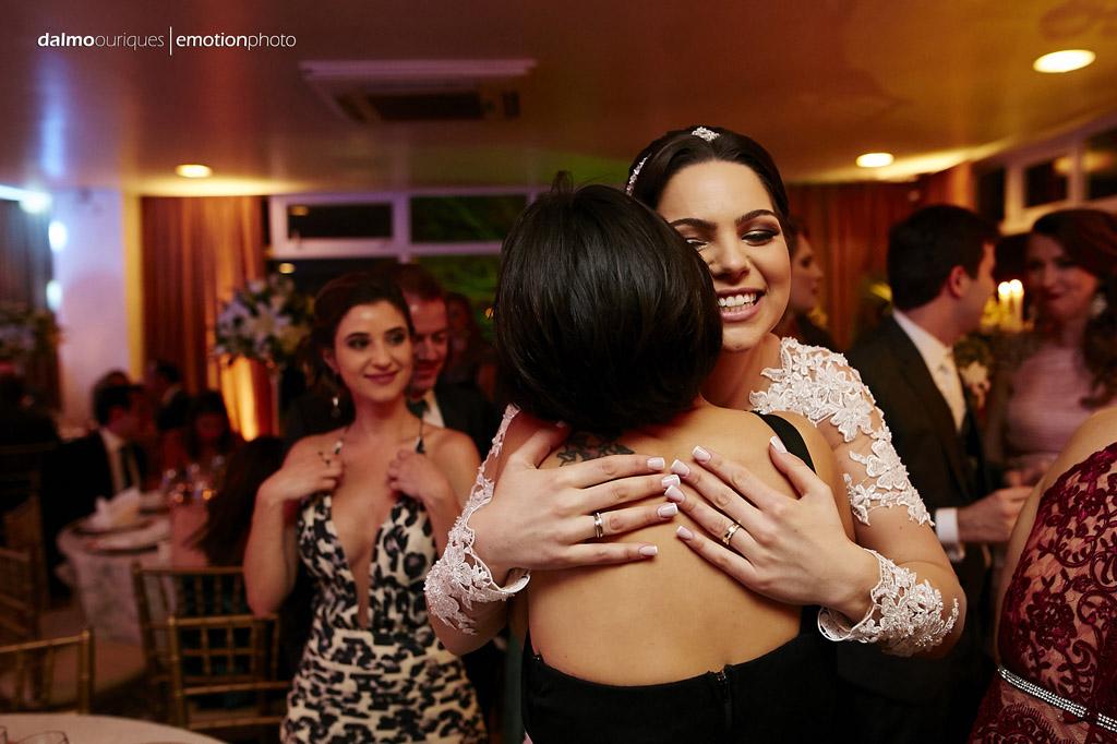 festa do casamento; fotos descontraídas do casamento; fotos com emoção;  fotógrafo de casamento Florianópolis