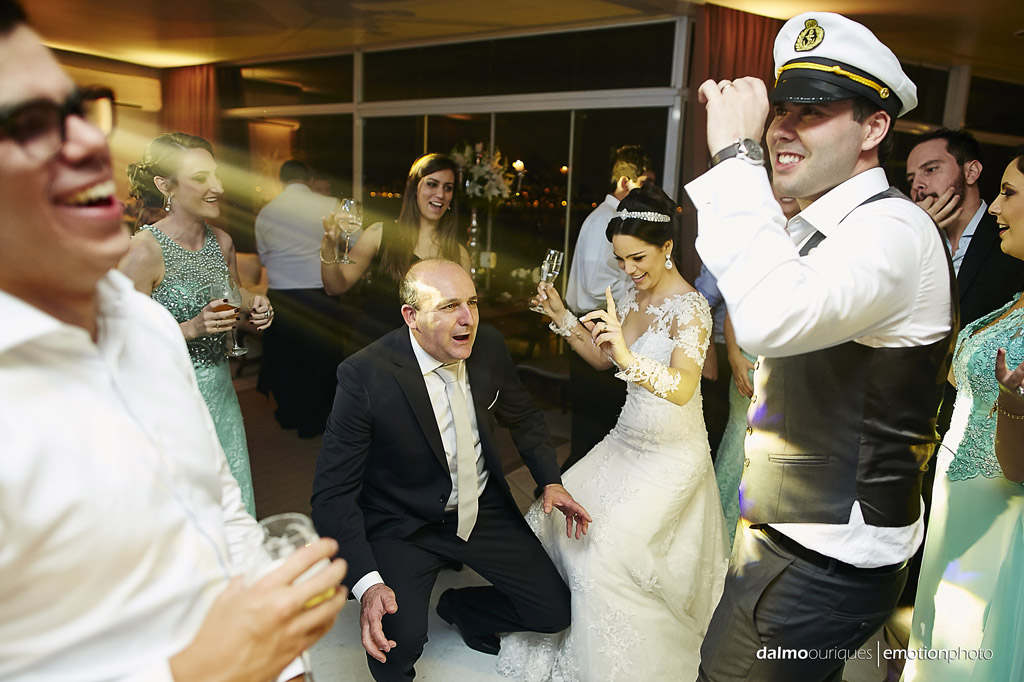 festa do casamento; fotos descontraídas do casamento; fotografia de casamento em Florianópolis