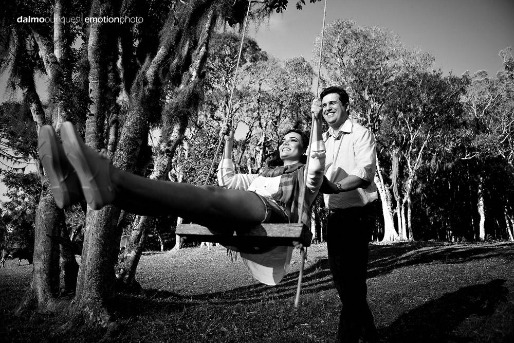 ensaio de casal; pre wedding; pre wedding em rancho queimado; fotografia de casal em rancho queimado, fotos divertidas de casal
