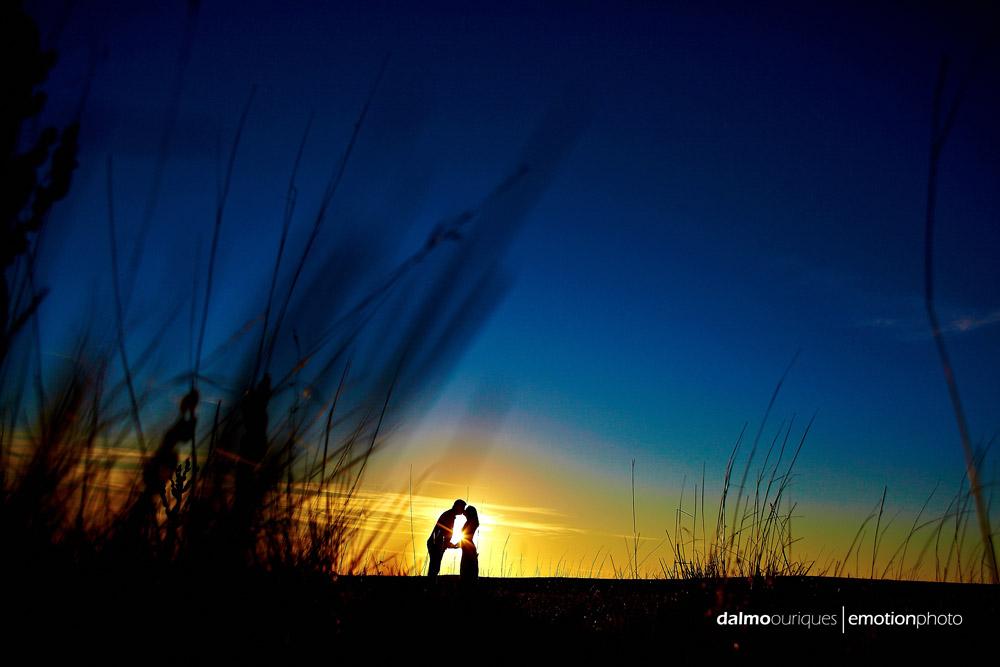 ensaio de casal; pre wedding; pre wedding em rancho queimado; fotografia de casal no morro da Boa Vista, fotos do por do sol