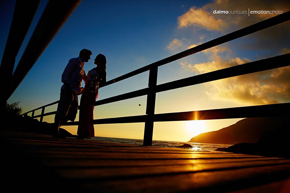pre wedding em florianopolis; ensaio de casal  em florianopolis; ensaio em florianopolis; fotografia de casal; pre wedding; florianopolis; ensaio na praia da armacao; ensaio na praia
