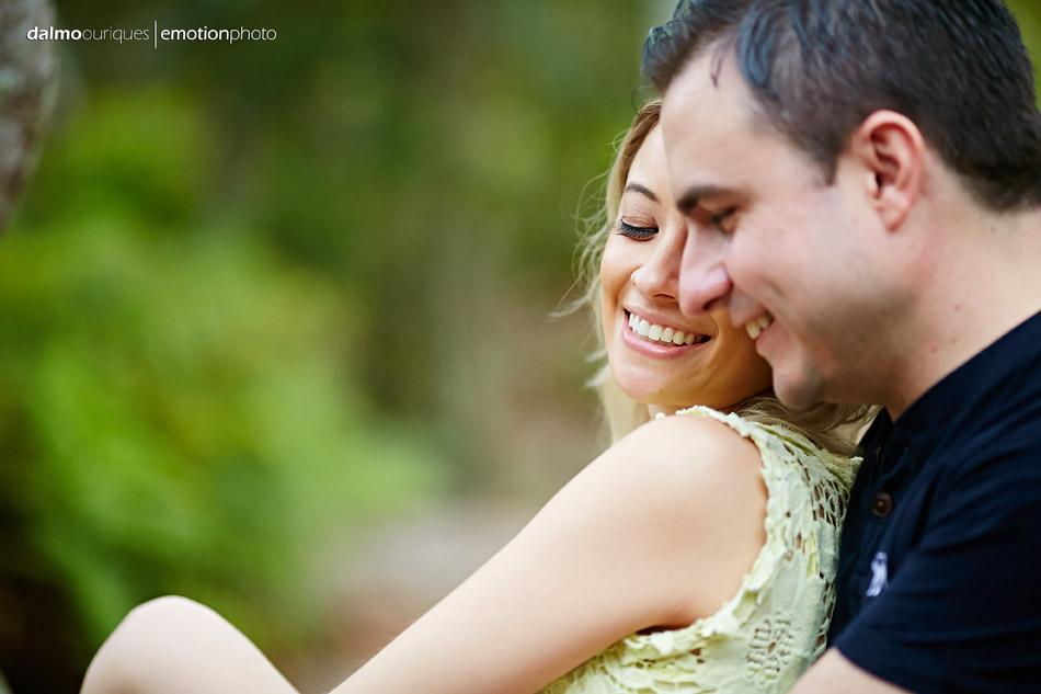pre wedding em florianopolis; ensaio de casal em florianopolis; ensaio de casal; fotografo de casamento em florianopolis; pre wedding na praia da armação; fotografia de casal