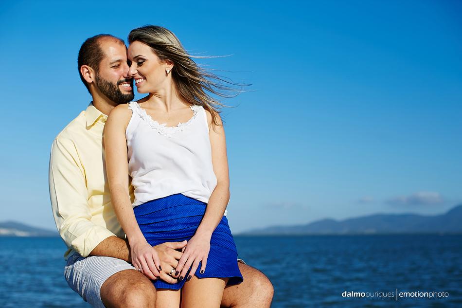 pre wedding em florianopolis; ensaio de casal  em florianopolis; ensaio em florianopolis; fotografia de casal; pre wedding; florianopolis; ensaio de barco; ensaio de casal do barco