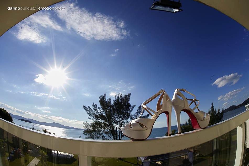fotografia de casamento em florianopolis; fotografo de casamento em florianopolis; wedding em florianopolis; casamento florianopolis; hotel porto do Sol; sapato da noiva