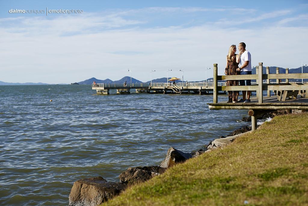 pre wedding em florianopolis; ensaio de casal em florianopolis; ensaio na beira mar norte; fotografia de casal; pre wedding