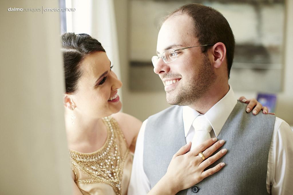 irmã do noivo participa do making of do noivo e o fotografo dalmo ouriques faz uma linda fotografia