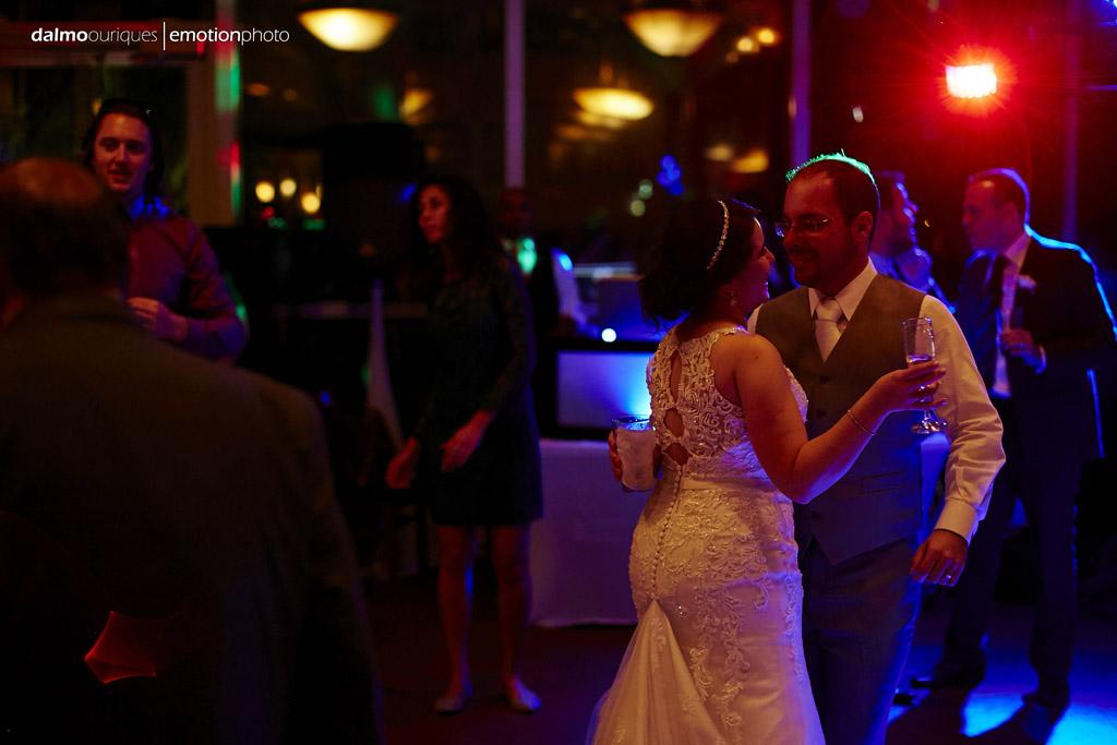 melhor iluminação de casamento para a dança dos noivos