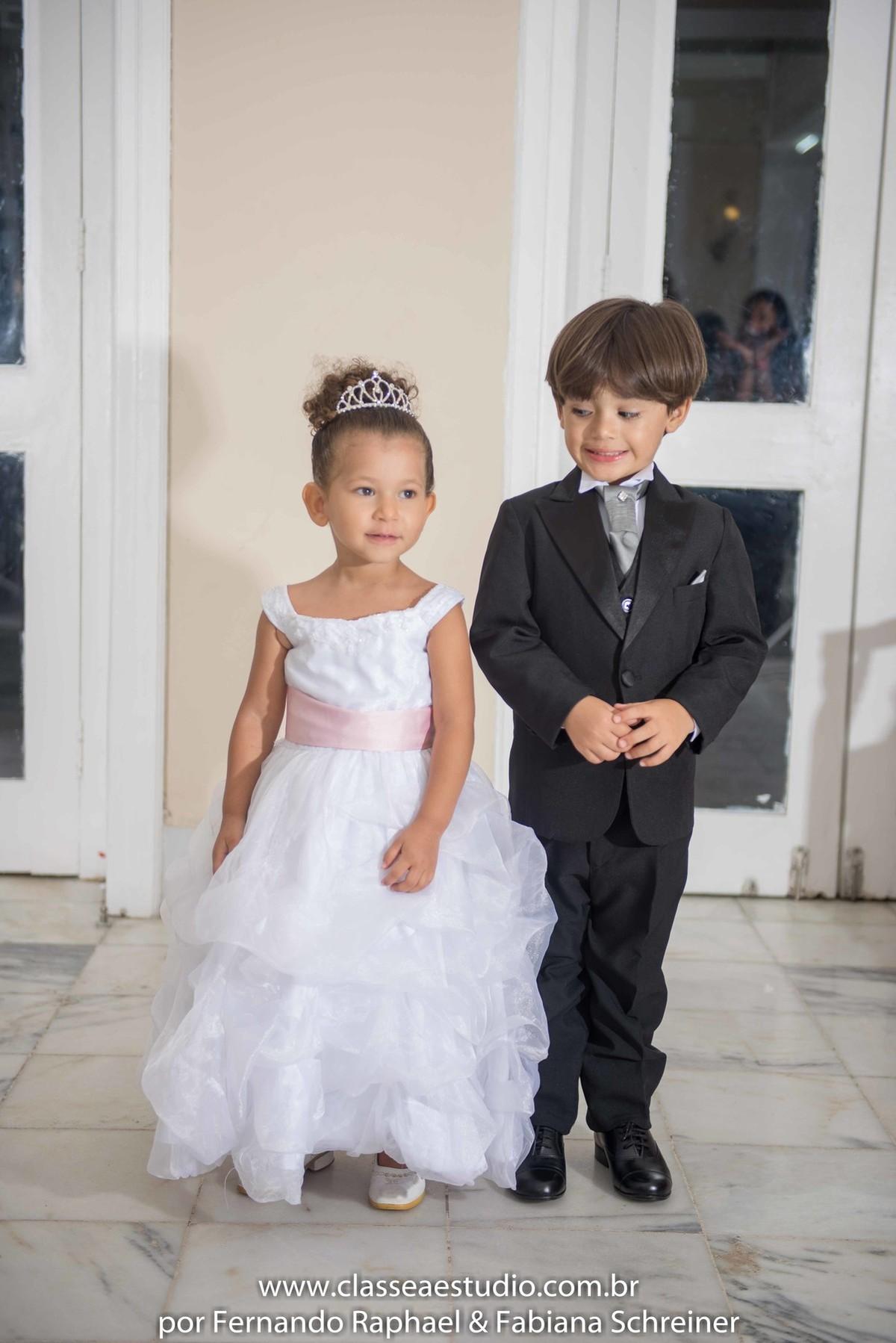 Foto de Editorial de casamento e festas vert rouge sophistique