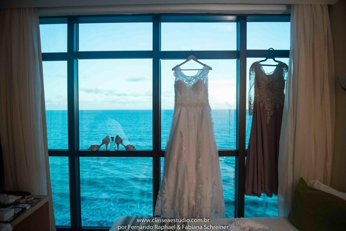 sapato e vestido de noiva