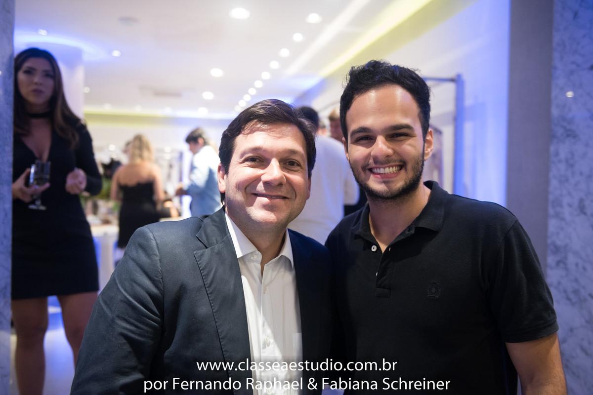 O prefeito da cidade do Recife Geraldo Julio e o top fotografo e modelo Matheus Sisnando
