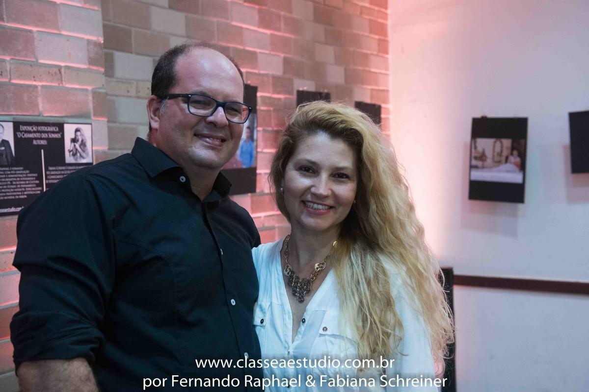 Os fotografos: fotografo Fernando Raphael e fotografa Fabiana Schreiner