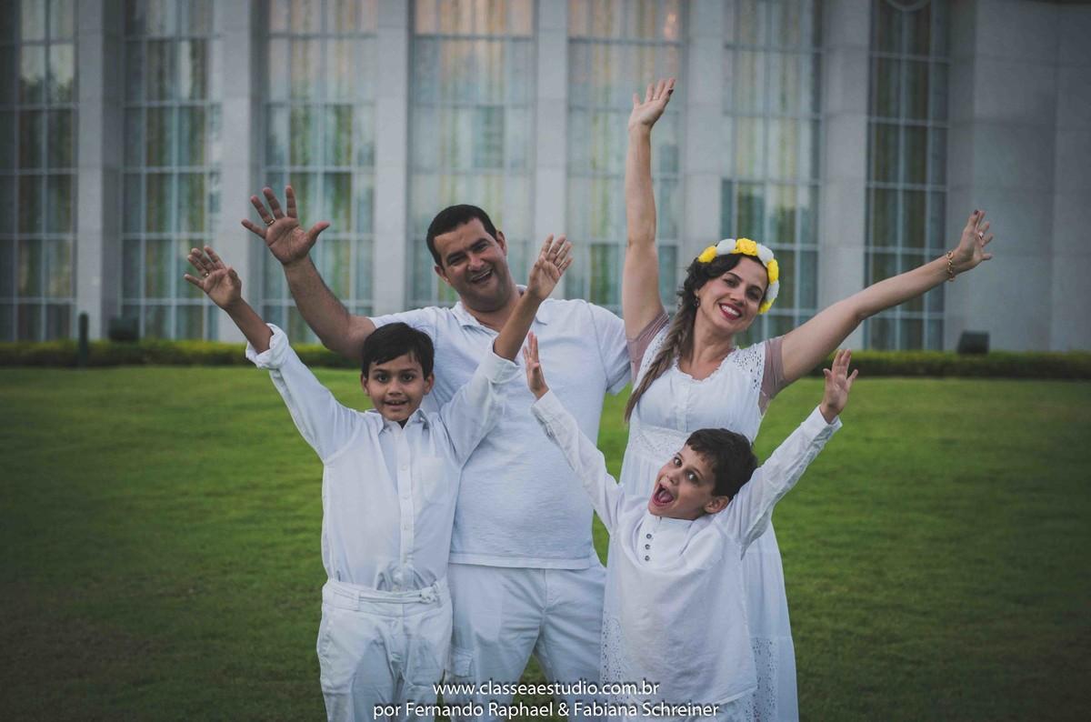 ensaio fotográfico de família na Igreja dos Mórmons