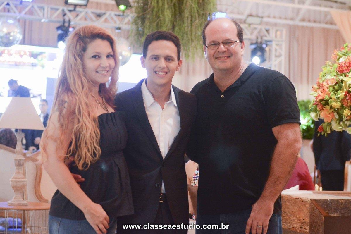 Fabiana Schereiner, Fernando Raphael Classe A Estudio e blog central da noiva