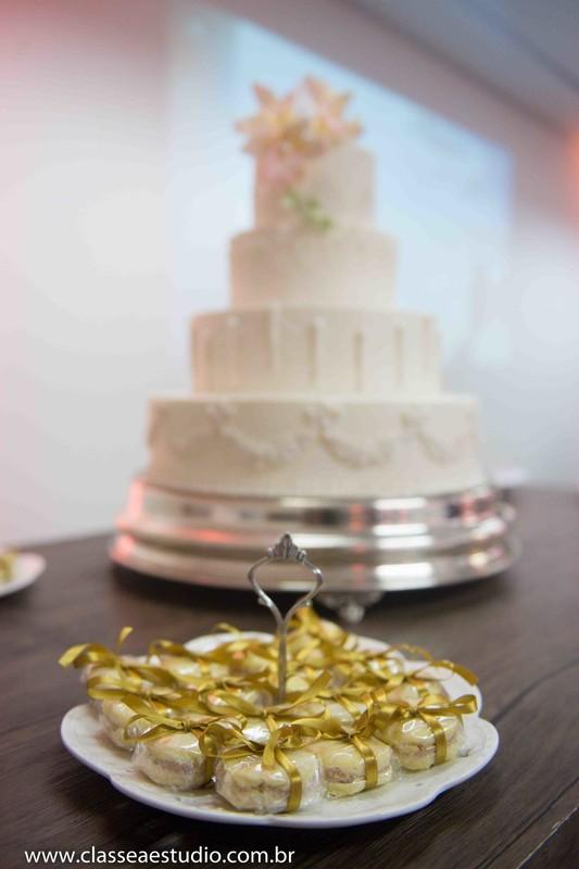 Palestra para noivas na Ferreira Costa com bolos de Cassia Pereira