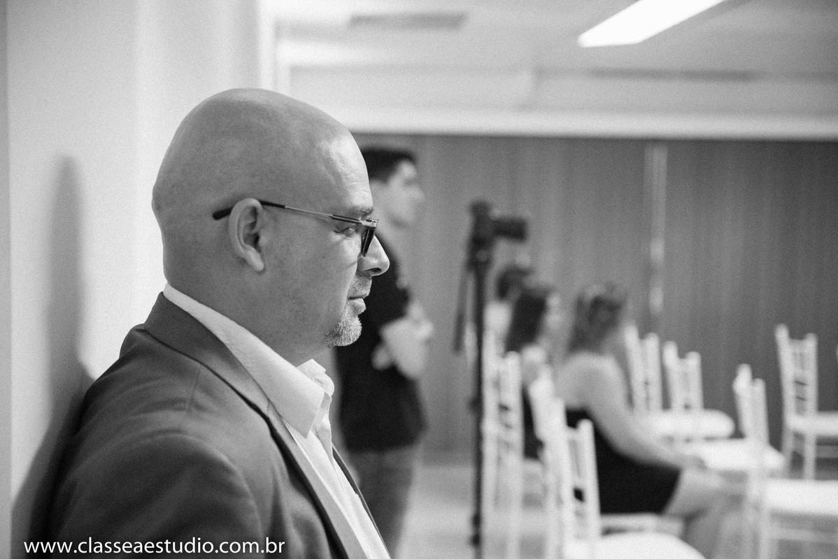 Palestra para noivas na Ferreira Costa com reverendo Markos Leal