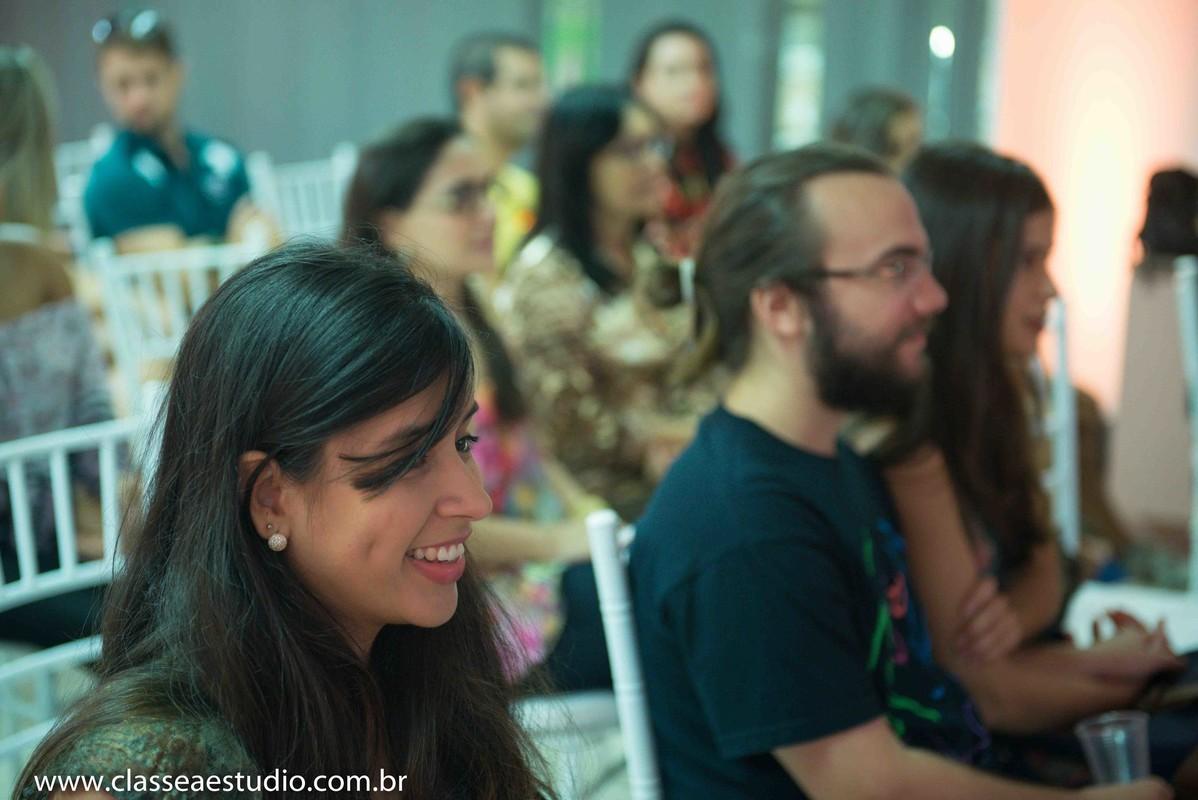 Palestra para noivas na Ferreira Costa sobre casamentos