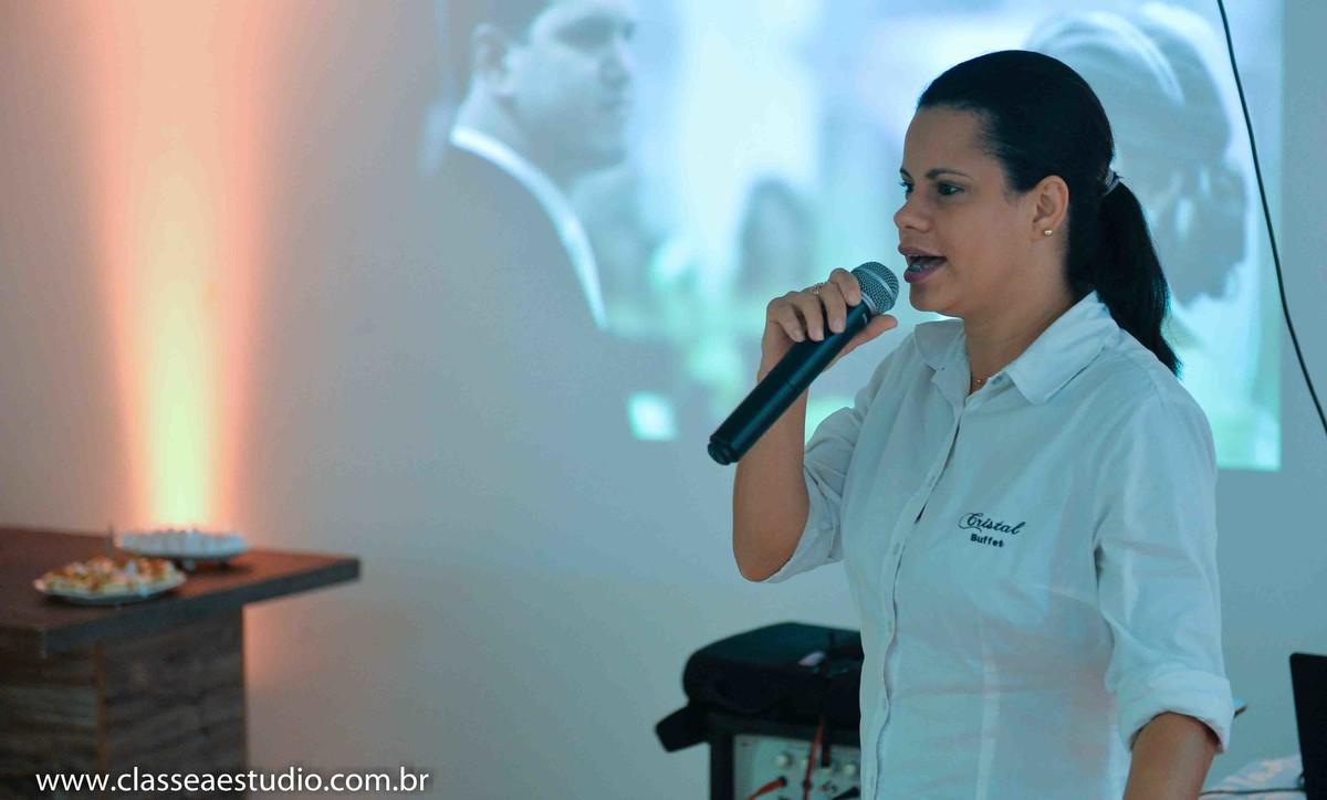 Palestra para noivas na Ferreira Costa sobre casamentos com o buffet Cristal Eventos