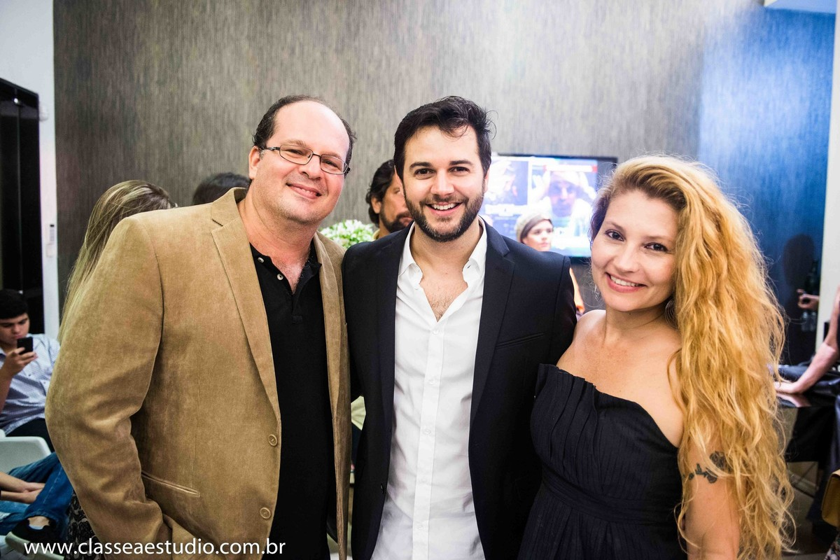 Fernando Raphael, Heracliton Diniz e Fabiana Schreiner na loja Emporio HD