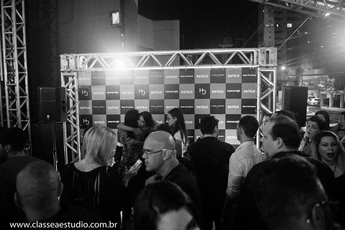 Fotógrafos de eventos sociais na loja Empório HD.