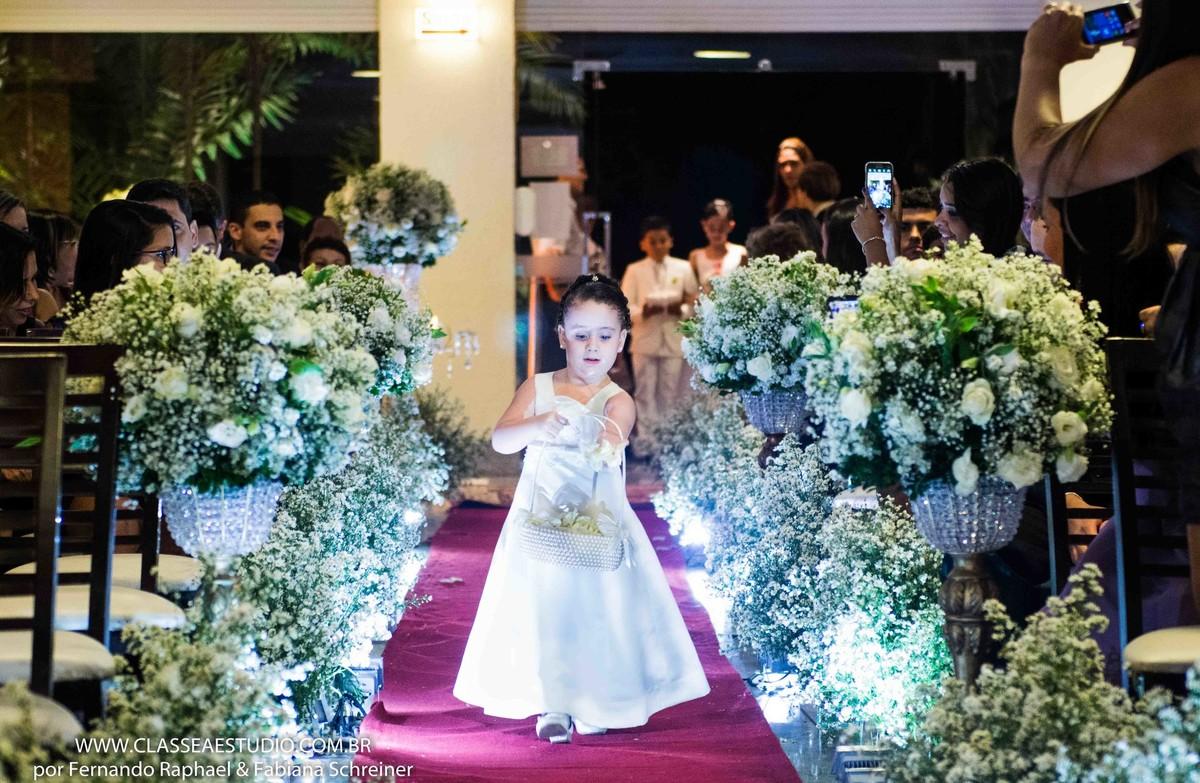 entrada da daminha no casamento