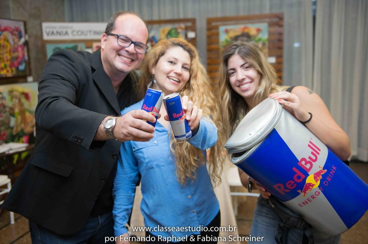 Degustação de Red Bull com Fernando Raphael e Fabiana Schreiner no salão de noivas e festas wedding day