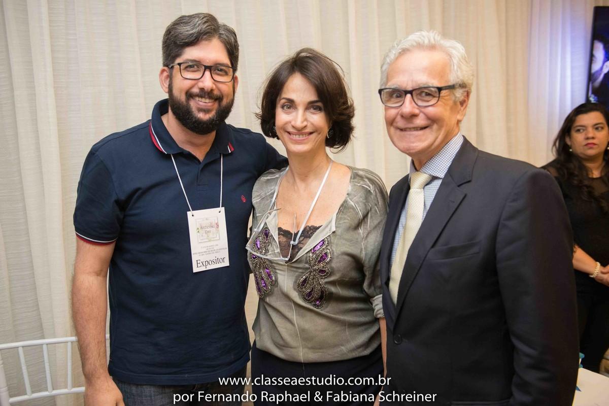 Lounge de Eduardo Calado fotografia com Claudia Matarazzo e Mario Ameni no salão de noivas e festas wedding day