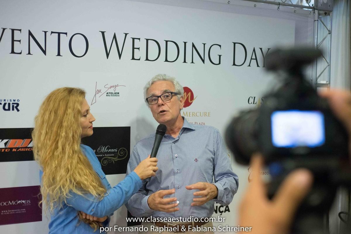 Fabiana Schreiner durante matéria jornalistica com Mario Ameni no salão de noivas e festas wedding day