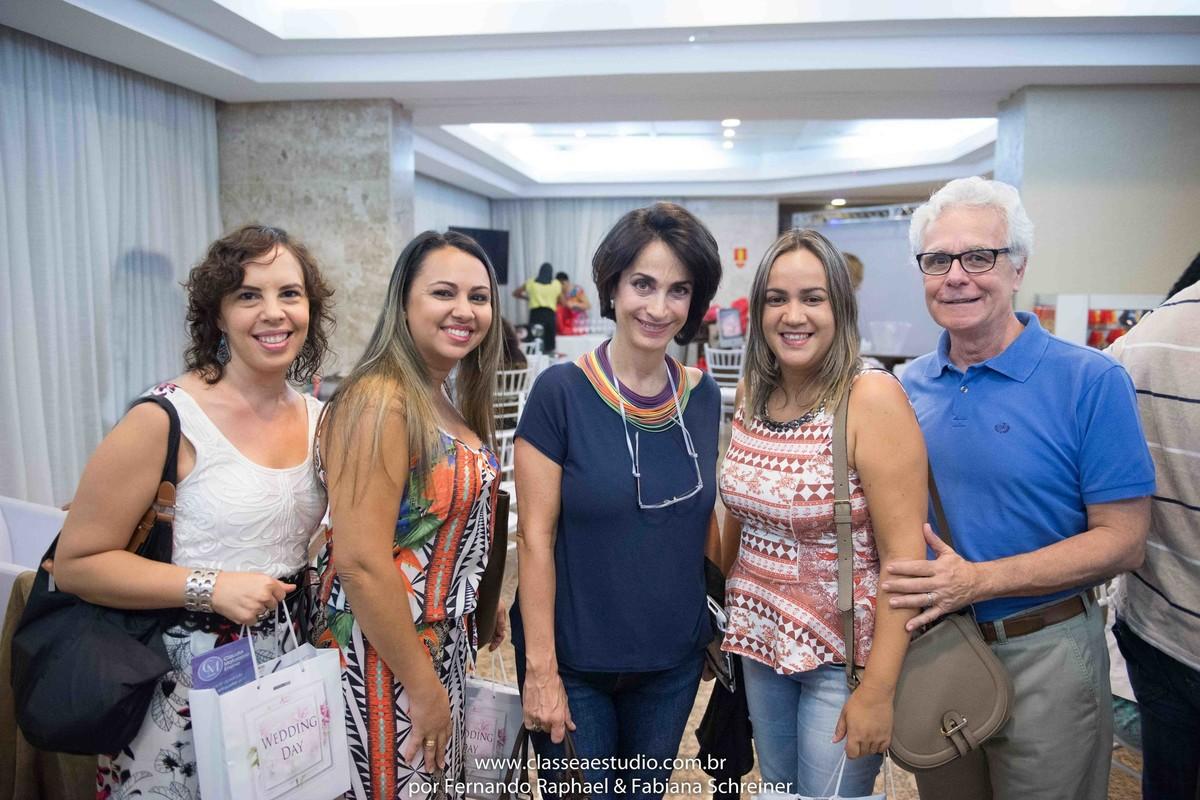 Cerimonialistas e diretoria do Senac com Mario Ameni e Claudia Matarazzo no salão de noivas e festas wedding day