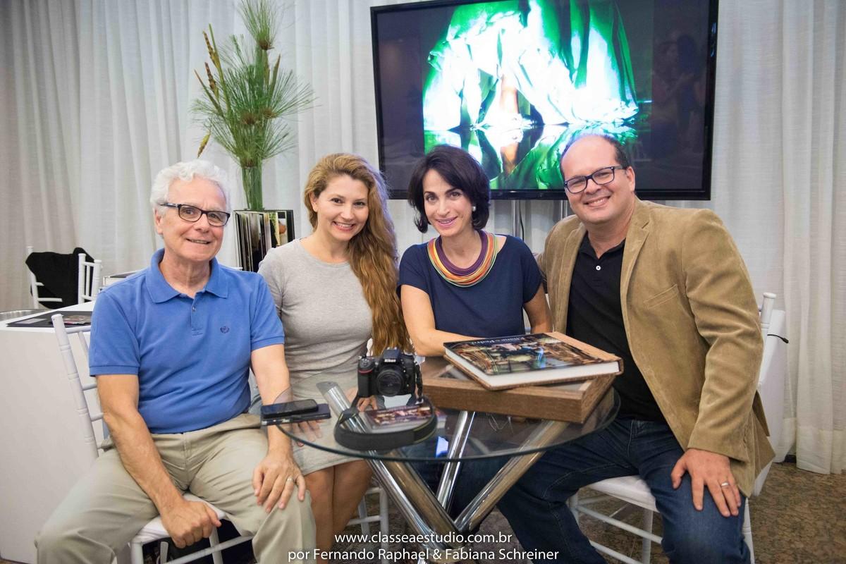 Mario Ameni, Fabiana Schreiner, Claudia Matarazzo e Fernando Raphael em bate papo no lounge do Classe A Estudio no salão de noivas e festas wedding day