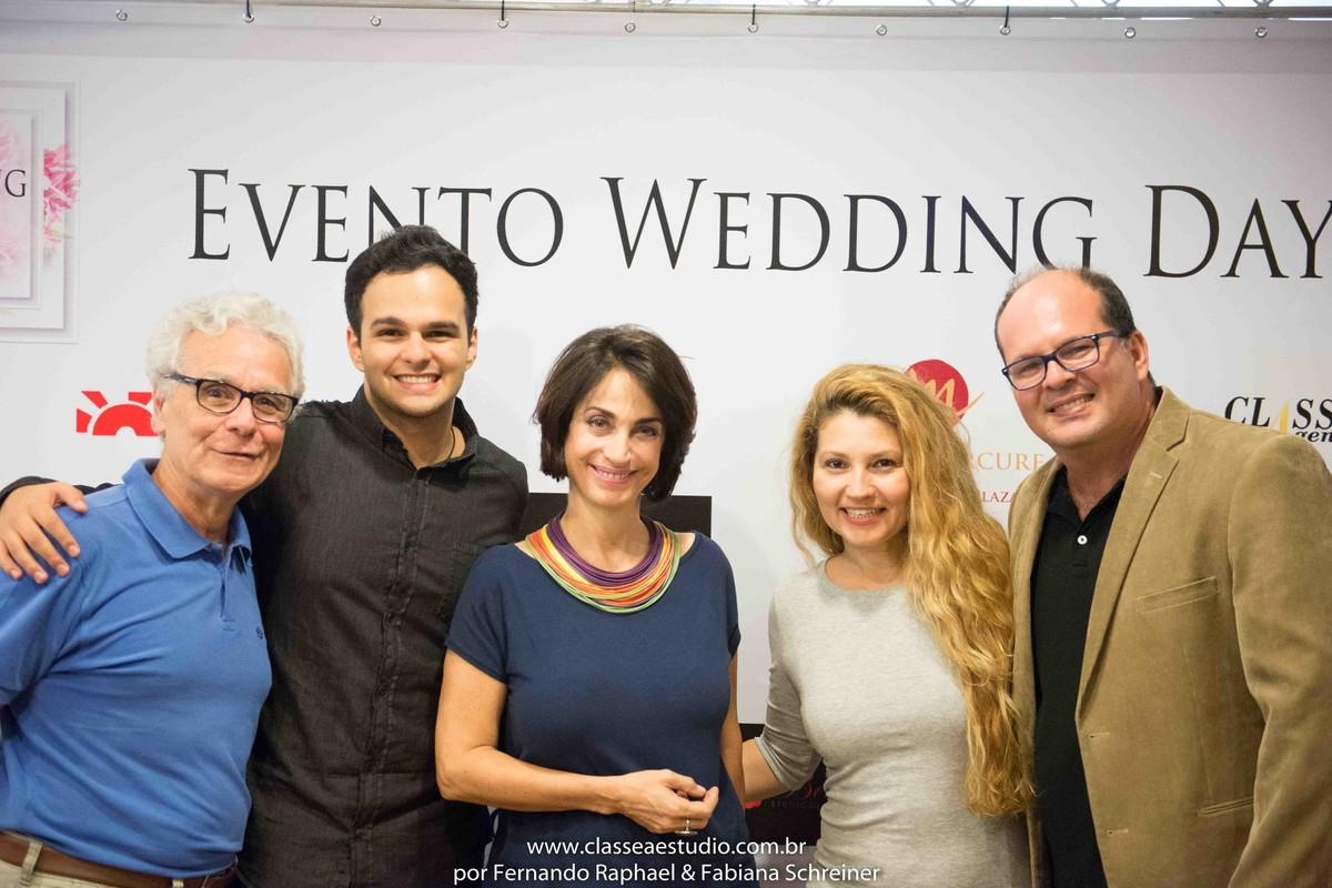 Matheus Sisnando, Mario Ameni, Fabiana Schreiner e Claudia Matarazzo no salão de noivas e festas wedding day